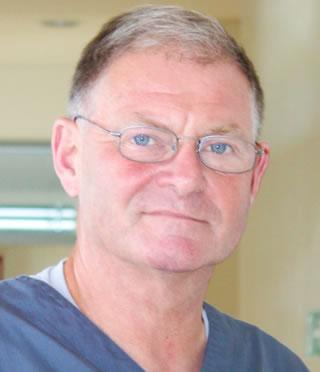 https://www.kieferchirurgie-landau.de/wp-content/uploads/2021/09/DrDaehne.jpg